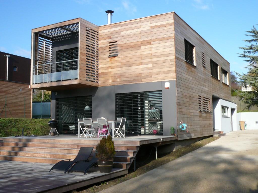 vue face maison bbc. Black Bedroom Furniture Sets. Home Design Ideas